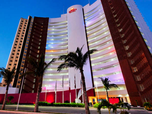 hotel crown plaza mazatlan
